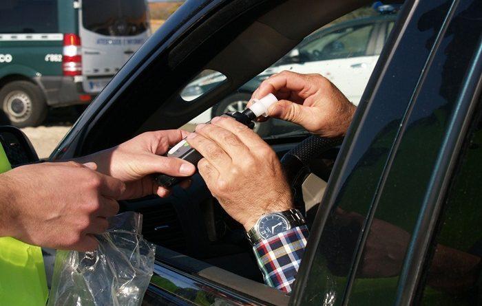 Bei Kontrolle Alkoholisierung festgestellt – Fahrer wollte flüchten